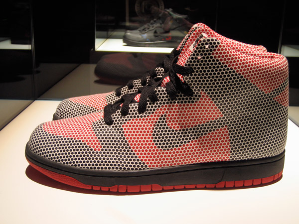 nike-sportwear-pop-up-store-dunk.jpg