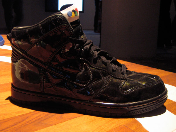 nike-sportwear-pop-up-store-dunk2.jpg