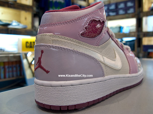 air-jordan-retro-1-girls-viva-glam-3