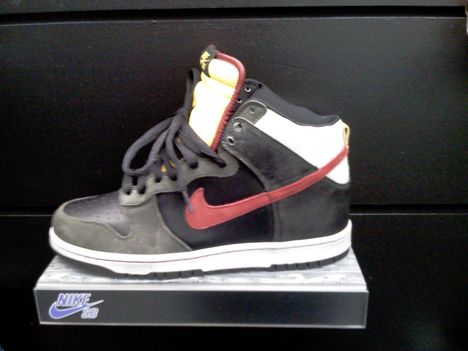 nike-sb-holiday-2008-12.jpg