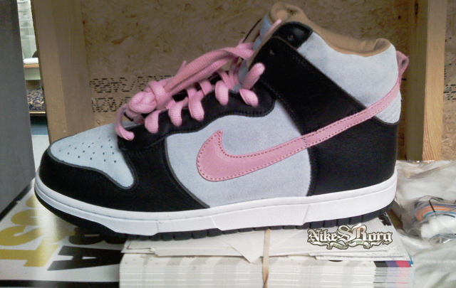 nike-sb-holiday-2008-2.jpg