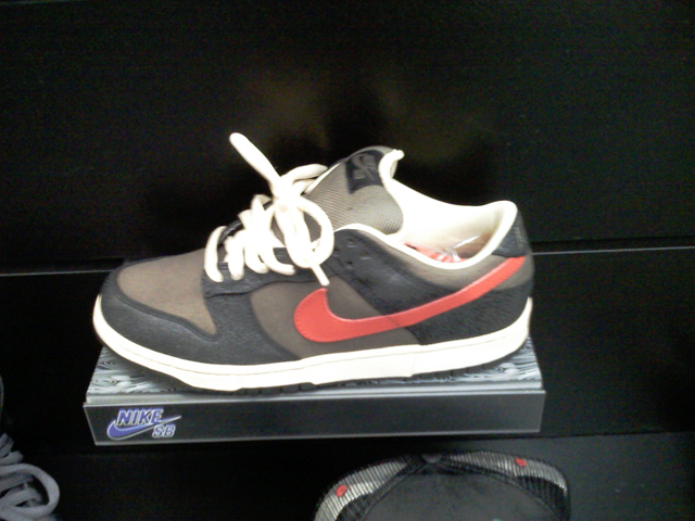 nike-sb-holiday-2008-4.jpg
