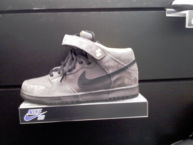 nike-sb-holiday-2008-5.jpg