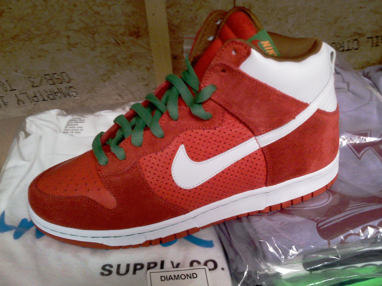 nike-sb-holiday-2008-9.jpg