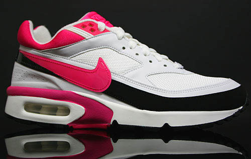 nike-air-classic-bw-vivid-pink-1
