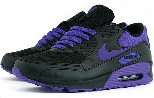 nike-air-max-womens-blk-purple2.jpg