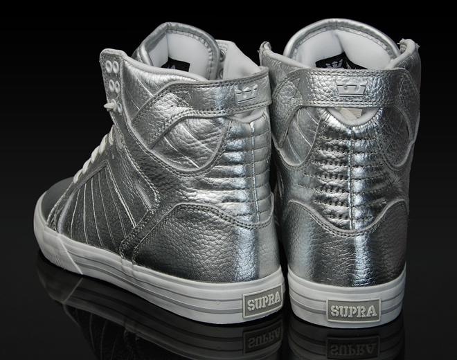 supra-footwear-skytop-silver-3.jpg