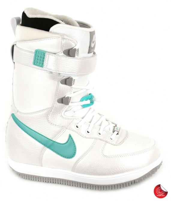 nike_snowboarding_boots_3-570x670