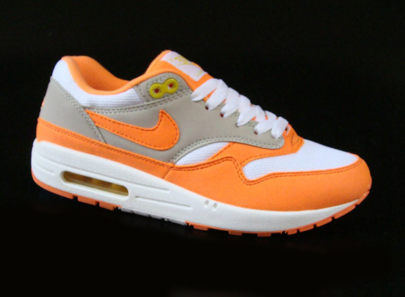 nike-air-max-1-nd-orange-blaze-1