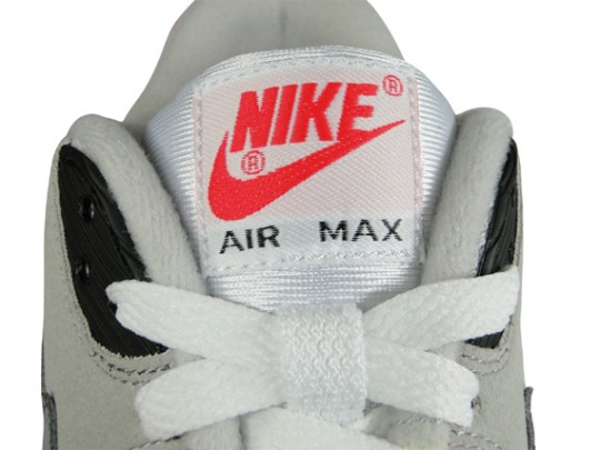 nike-air-max-90-infrared-euro-release-01