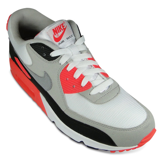 nike-air-max-90-infrared-euro-release-03