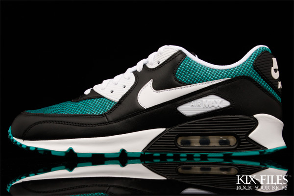 nike-air-max-90-black-turbo-green-01