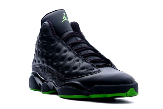 air-jordan-xiii-altitude-dec-2010-confirmed-02-570x381