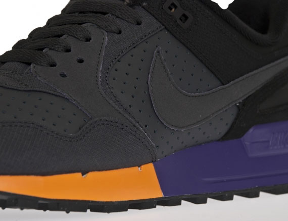 nike-air-pegasus-89-black-varsity-maize-purple-02
