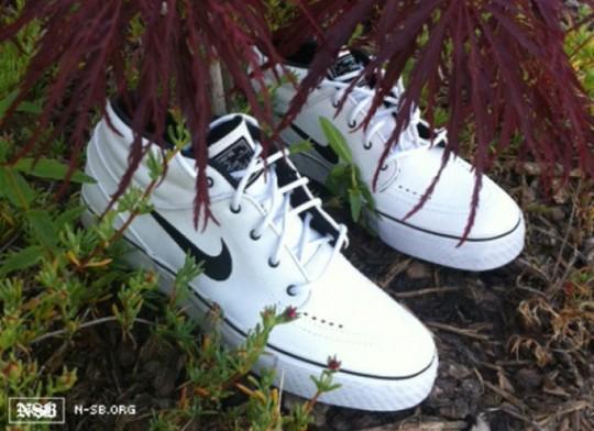 official photos 4b38e 26c57 Nike SB Zoom Stefan Janoski Mid QS WhiteBlack - Le Site de l