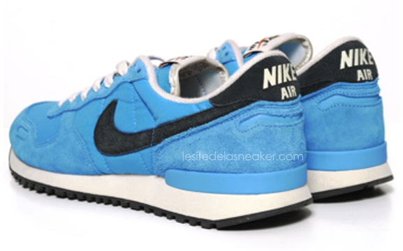 nike-air-vortex-blue-glow-black-2