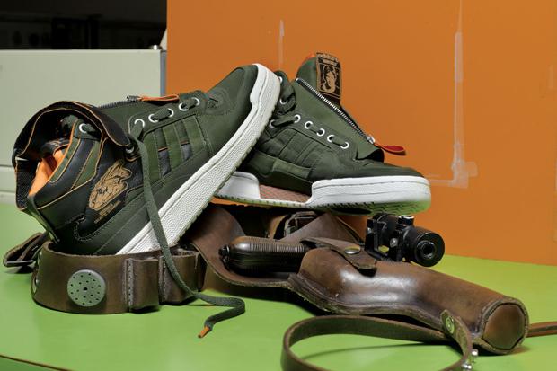 On retrouve une Adidas Stan Smith 80s Mid 'Vador', une Adidas Campus 80s 'Wampa', une Adidas Forum Mid 'Military' et une Adidas Decade Hi 'S.W. Hoth'.