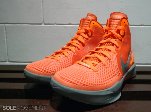 c306fc059e8 nike zoom hyperdunk 2011 supreme nike zoom hyperdunk 2011 supreme team  orange ...