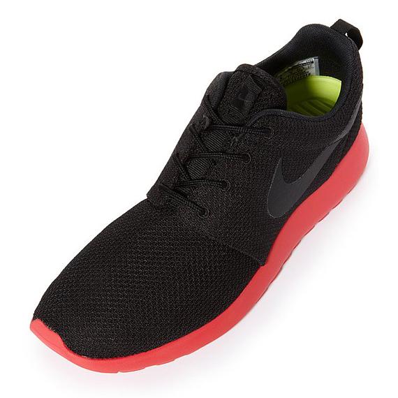 Fotos - Nike Nike Runs Nike Rosche Sportswear Sportswear Gear