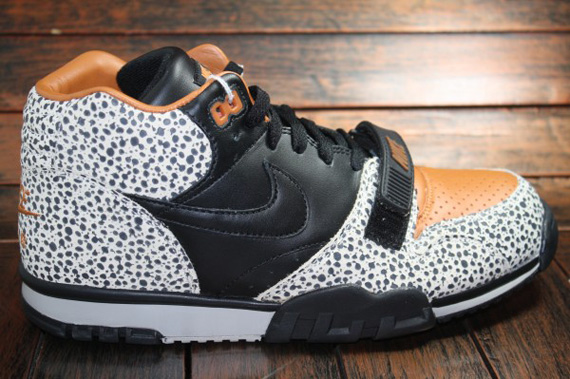nike-air-trainer-1-safari-5