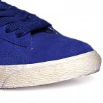 nike-blazer-low-suede-vintage-game-royal-sail-3