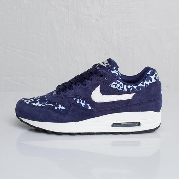 nike air max 1 fast love; elles sont disponibles sur le site sneakersnstuff.