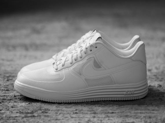 lunar force 1 white