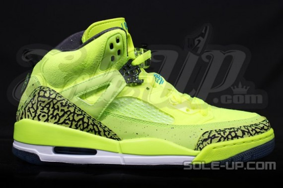 air-jordan-spizike-black-history-month-07