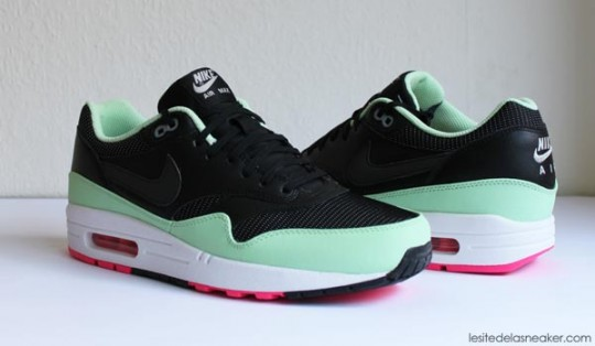 nike-air-max-1-fb-yeezy-3