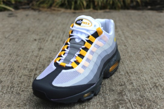 nike-air-max-95-nosew-cool-grey-varsity-maize-2