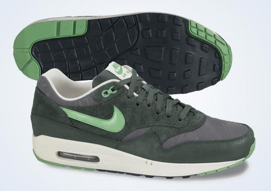 nike-air-max-1-premium-vintage-green-gamma-green-black-sail-august-2013