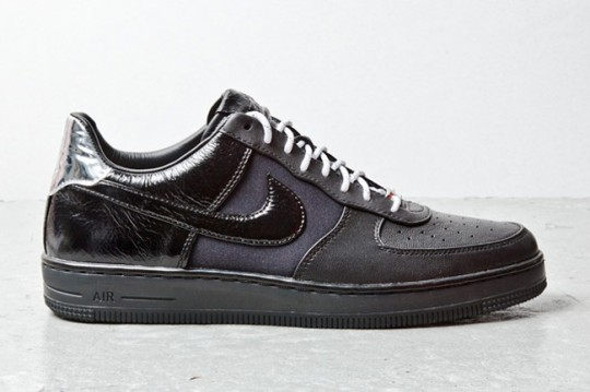 nike-air-force-1-downtown-black-1
