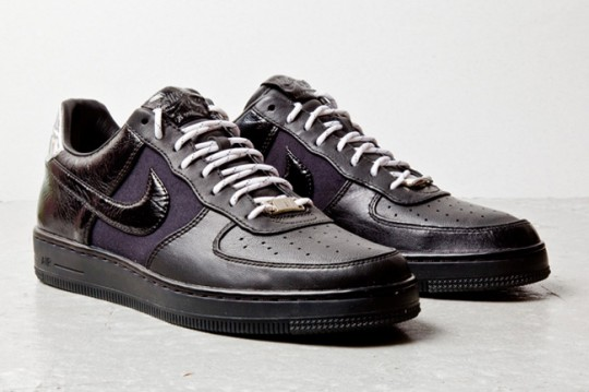 nike-air-force-1-downtown-black-5