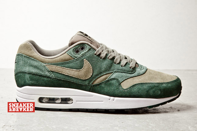 nike-air-max-1-suede-green-1