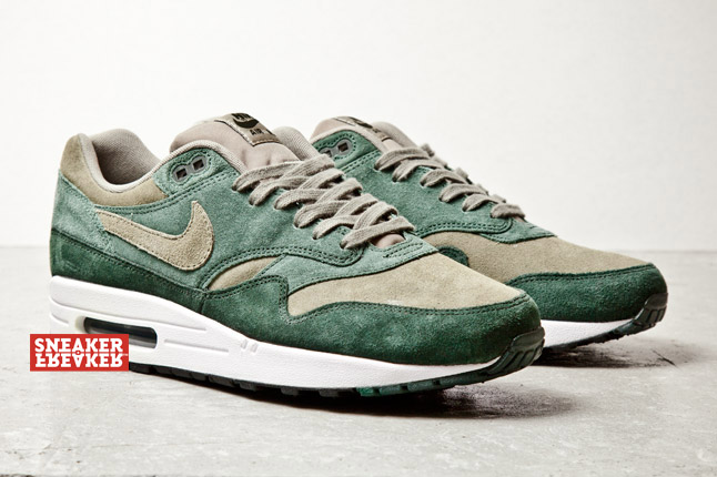 nike-air-max-1-suede-green-2