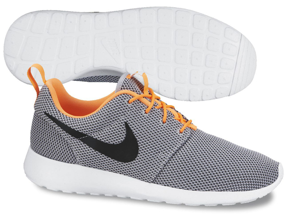 roshe run grise et orange