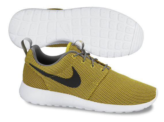 nike-roshe-run-mesh-yellow-black
