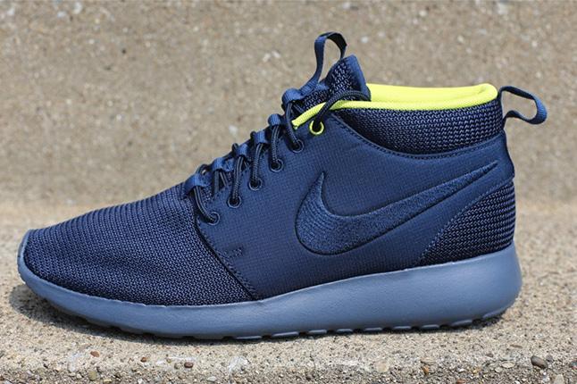 Nike Roshe Run Mid Summer Pack