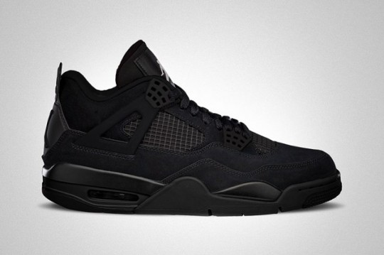 air-jordan-iv-black-cat-retro-01