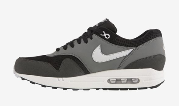 nike-air-max-1-essential-black-grey-white-2