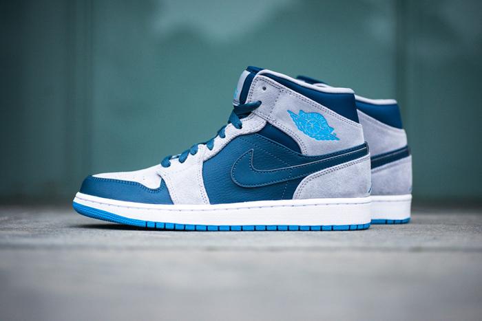 Air Jordan 1 Mid Slate Grey Powder Blue - Le Site de la Sneaker