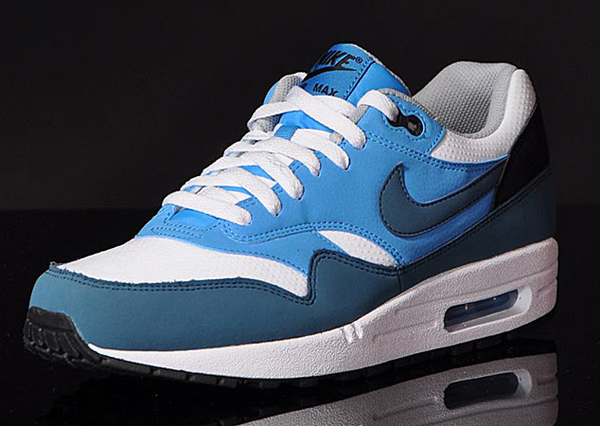 air max essential bleu