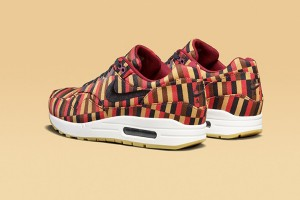 nike-air-max-1-roundel-by-london-underground-3