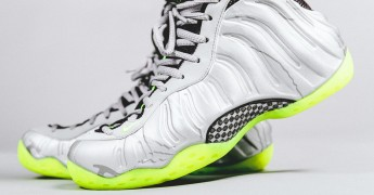 nike-air-foamposite-one-metallic-silver-volt-2