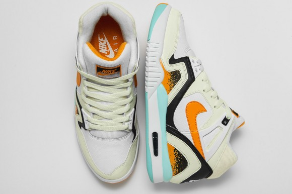 nike-air-tech-challenge-2-kumquat-2