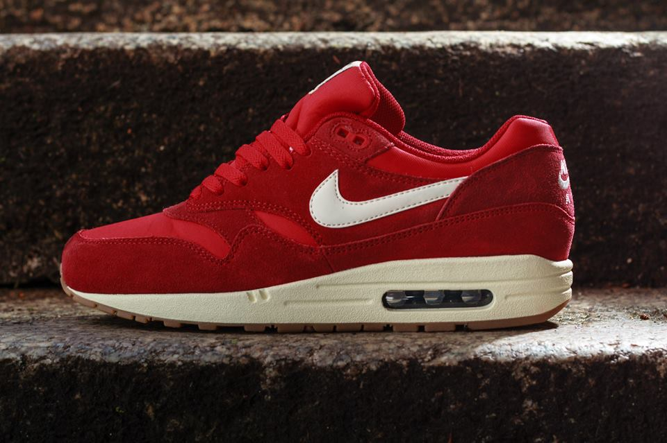 Air Max 1 Black And Red Suede - Musée des impressionnismes Giverny ddbd16c0c83e