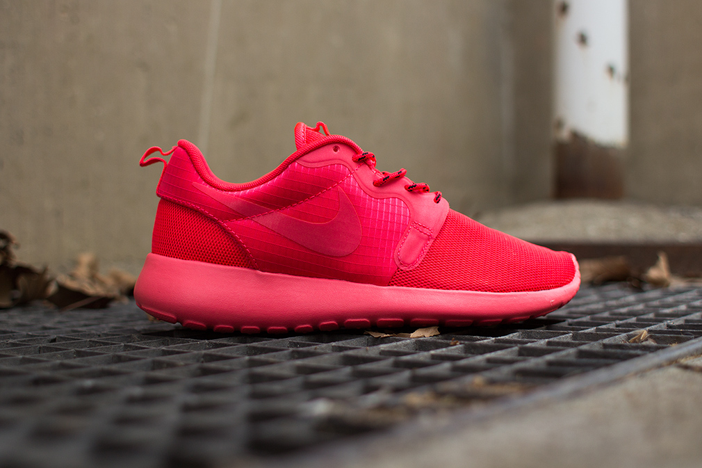 all red nike roshe run