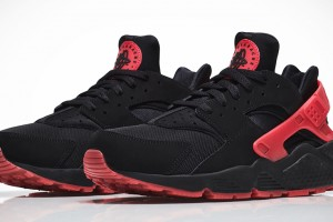 nike-air-huarache-qs-black-red-love-hate-pack