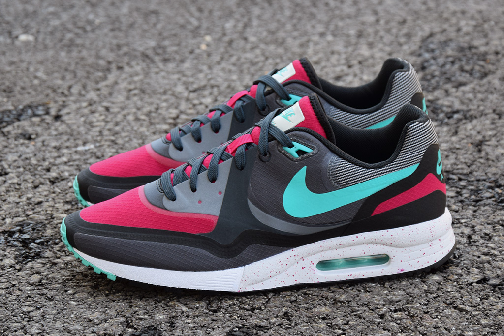 nike air max light. Black Bedroom Furniture Sets. Home Design Ideas