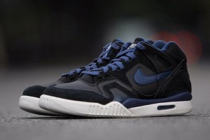 nike-air-tech-challenge-ii-obsidian-01